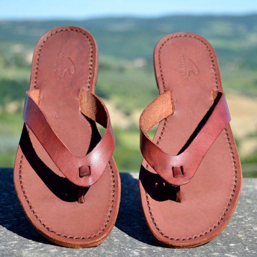 sandalo infradito in cuoio