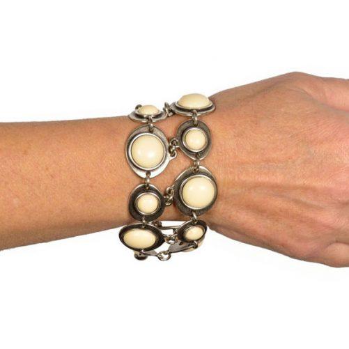 braccialetto su polso
